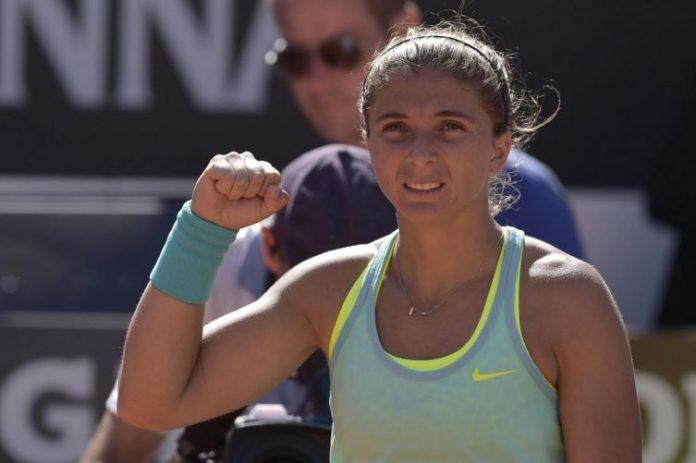 Australian Open: guai muscolari, Errani fuori tra le lacrime
