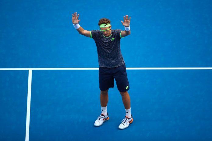Il serbo cede al quinto set e saluta gli Australian Open