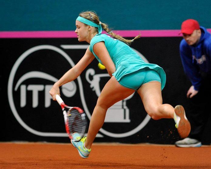 Schmiedlova in azione in Fed Cup