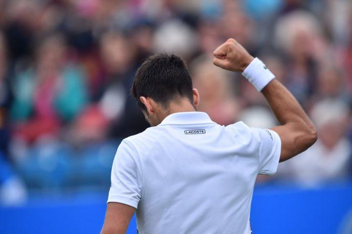 Tennis, Atp 250 Eastbourne: Djokovic supera Medvedev e raggiunge la finale